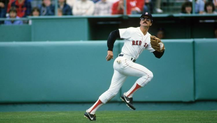 Dwight Evans Dwight Evans was a Sox mainstay for two decades