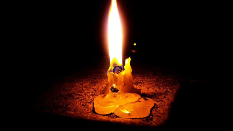 Dying Candle Dying Candle Manas Saha Flickr
