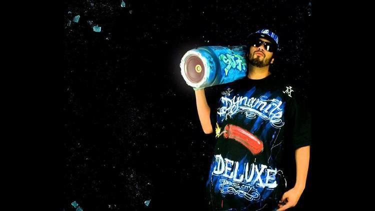 Dynamite Deluxe Dynamite Deluxe Grne Brille HD YouTube