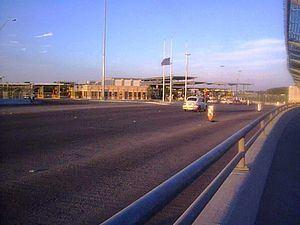 Eagle Pass Camino Real Port of Entry httpsuploadwikimediaorgwikipediacommonsthu