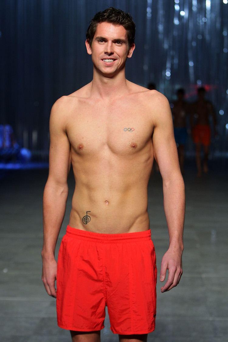 Eamon Sullivan Rachael Finch Bikini Pictures and Shirtless Eamon Sullivan