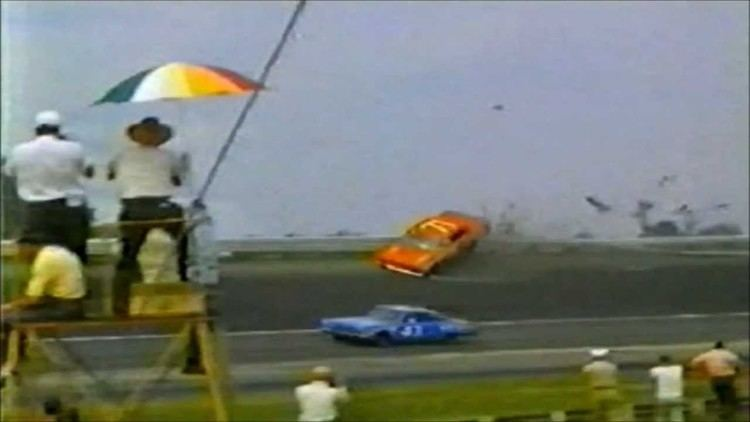 Earl Balmer Earl Balmer Rides The Guardrail During The 1966 Southern 500 YouTube