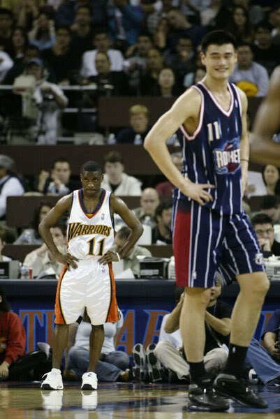 Earl Boykins The Battle of the Little Men Allen Iverson vs Earl