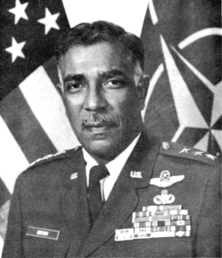 Earl Brown (general)