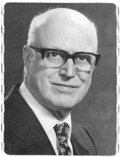 Earl Tupper httpsuploadwikimediaorgwikipediaru554Ear