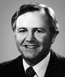 Ed Bethune httpsuploadwikimediaorgwikipediacommonsthu