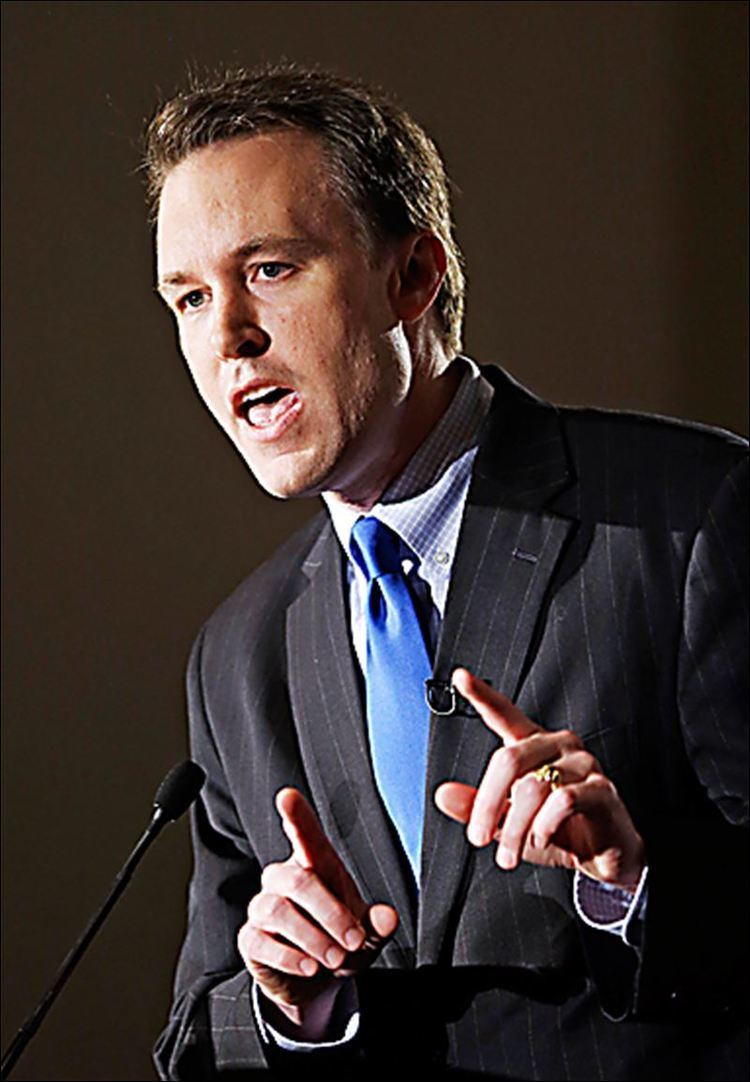 Ed FitzGerald Cuyahoga County executive FitzGerald throws hat into Ohio