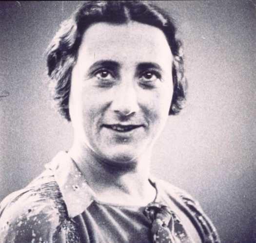 Edith Frank Vensterplaat Anne Frank entoennu