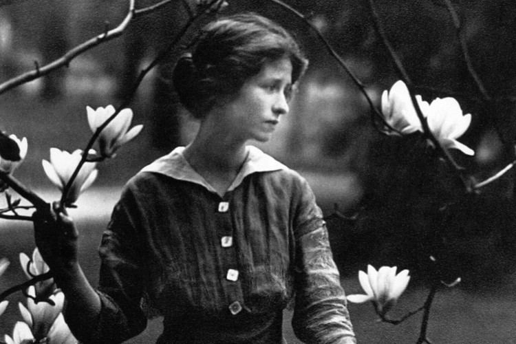 Edna St. Vincent Millay httpsmediapoetryfoundationorgmimage16071e