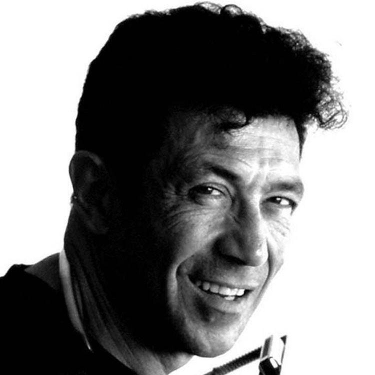 Edoardo Bennato httpsfanarttvfanartmusice80cb9fc37b9469b