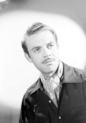 Eduardo Fajardo Eduardo Fajardo actor con una mano en su barbilla retrato