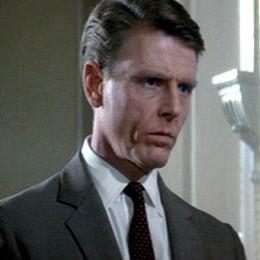 Edward Fox (actor) httpsuploadwikimediaorgwikipediaen774Edw
