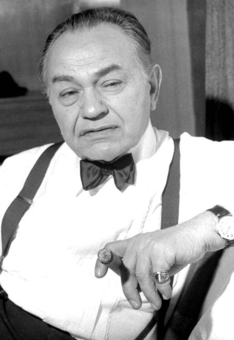 Edward G. Robinson On the Town Edward G Robinson News Stripes