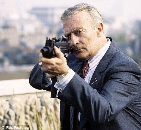 Edward Woodward Screen veteran Edward Woodward dies at 79 Daily Mail Online