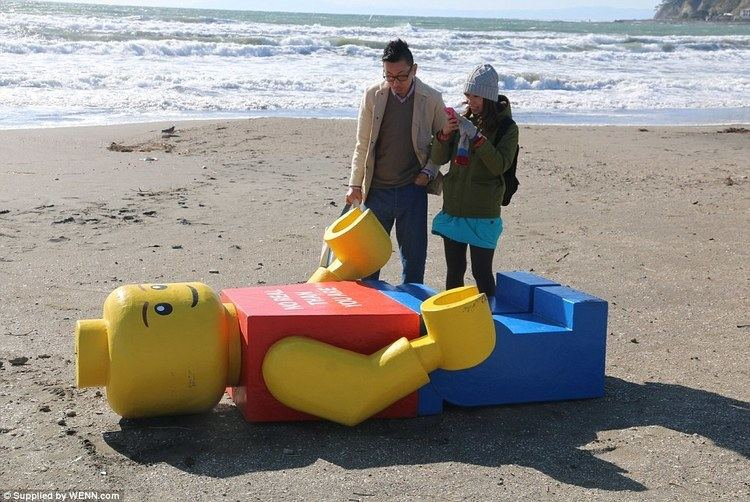 Ego Leonard Walkers baffled as EIGHT FOOT Lego figure washes up in