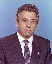 Egon Krenz httpsuploadwikimediaorgwikipediacommonsthu