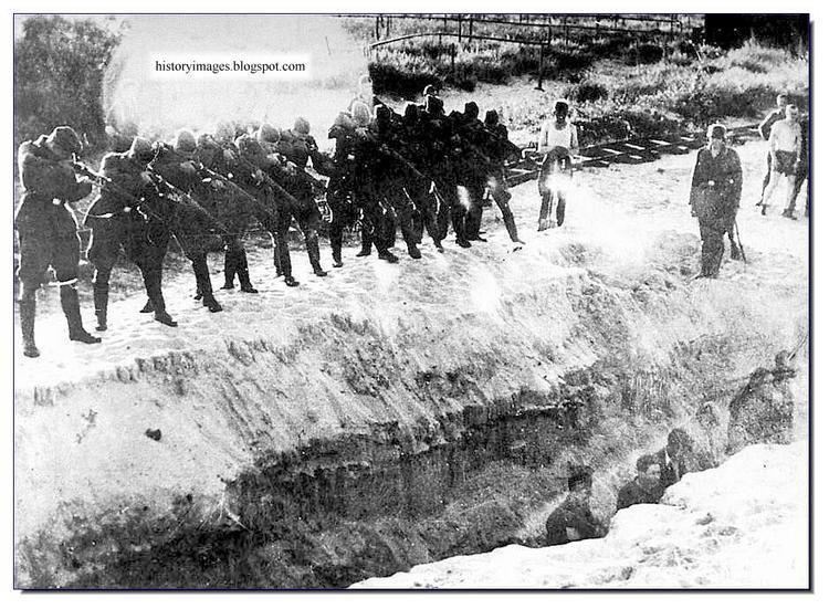 Einsatzgruppen HISTORY IN IMAGES Pictures Of War History WW2 EINSATZGRUPPEN