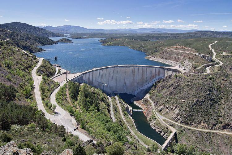 El Atazar Dam