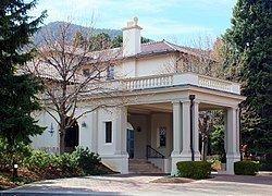 El Pomar Estate httpsuploadwikimediaorgwikipediacommonsthu
