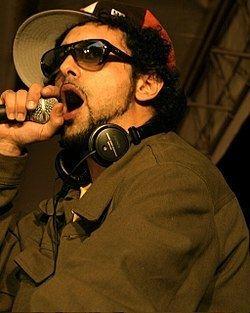 El Presidente (musician) httpsuploadwikimediaorgwikipediacommonsthu