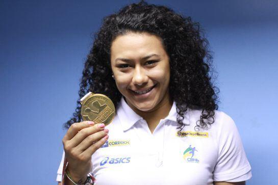 Elaine Gomes Campe mundial Elaine Gomes cobra incentivo para esporte de base
