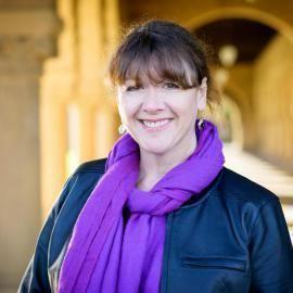 Elaine Treharne Elaine Treharne Center for Medieval and Early Modern Studies