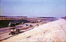 Elbe Lateral Canal httpsuploadwikimediaorgwikipediacommonsthu