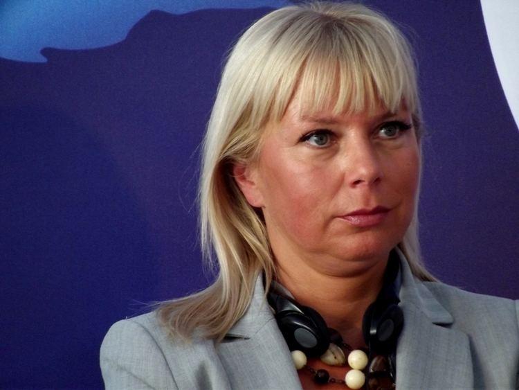Elżbieta Bieńkowska FileElbieta Biekowska 2013jpg Wikimedia Commons