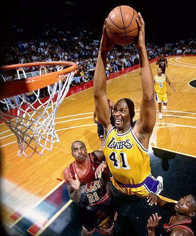 Elden Campbell Elden Campbell dunk Rare NBA Photos Pinterest NBA Los angeles