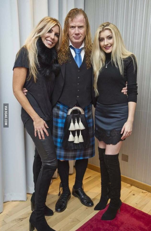 Electra Mustaine Electra Mustaine and her parents 9GAG