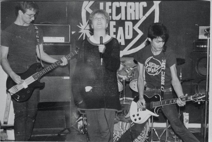 Electric Deads wwwswedishpunkfanzinescomwpcontentuploads201