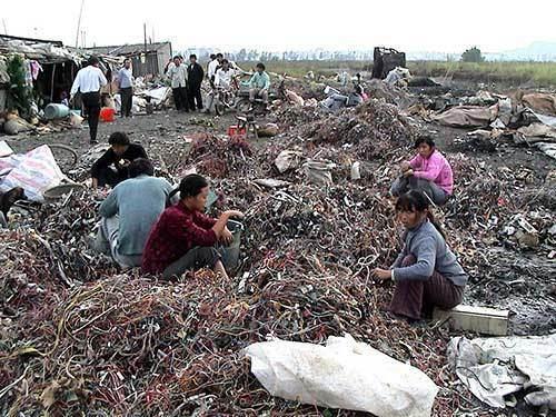 Electronic waste in Guiyu sometimesinterestingcomwpcontentuploads2011