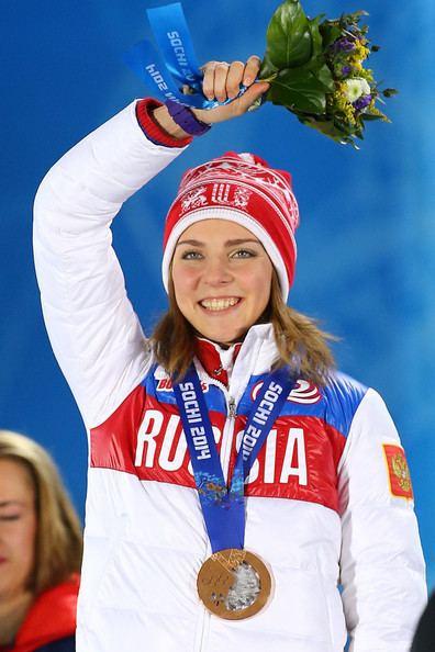 Elena Nikitina Elena Nikitina Pictures Medal Ceremony Winter Olympics
