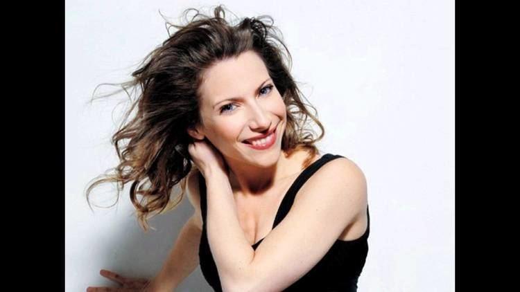 Elena Roger Elena Roger Cancin de Alicia en el pas YouTube