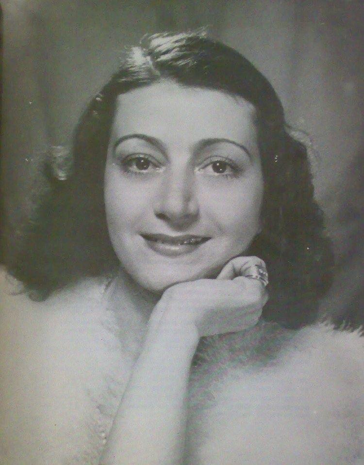 Eleni Papadaki wwwpalmografoscomfileselenipapadakiportrait