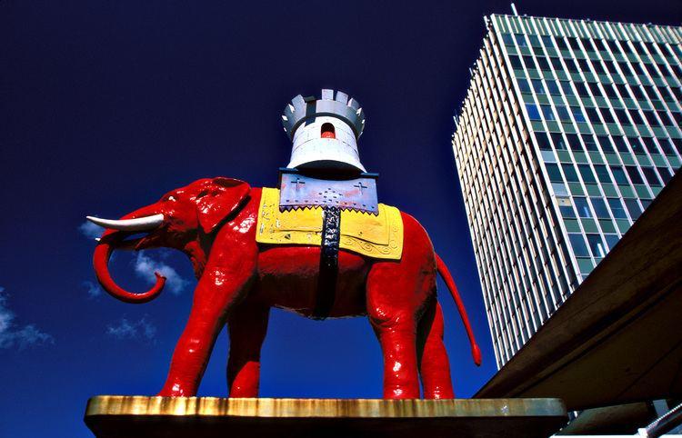 Elephant and Castle uploadwikimediaorgwikipediacommons111Elepha