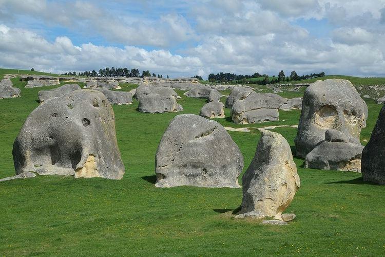 Elephant Rocks (New Zealand)