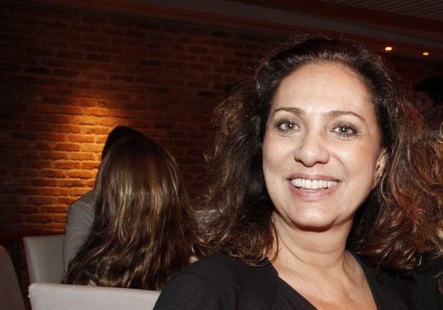 Eliane Giardini EGO Durante pea pica de teatro Eliane Giardini ouve