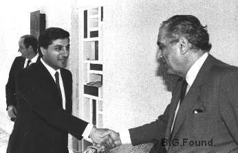 Elias Sarkis 1982 Elias Sarkis reoit le prsidentlu Bachir Gemayel