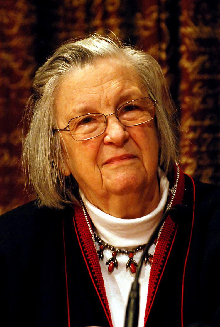 Elinor Ostrom httpsuploadwikimediaorgwikipediacommons66