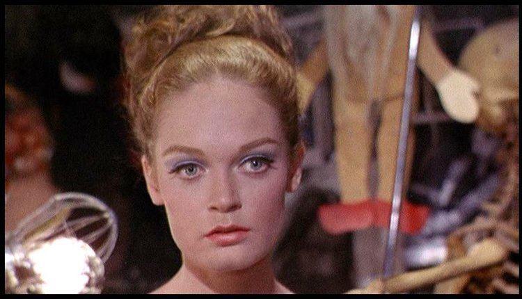 Elizabeth Hartman DREAMS ARE WHAT LE CINEMA IS FOR YOURE A BIG BOY NOW 1966