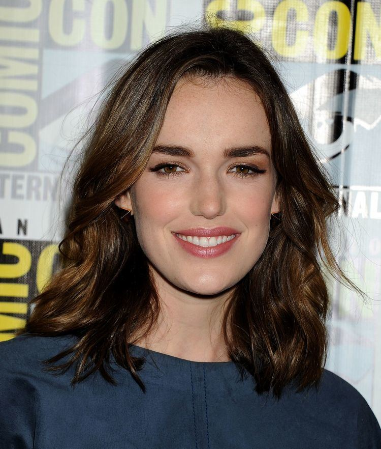Elizabeth Henstridge Elizabeth Henstridge Marvel39s SHIELD amp Agent Carter