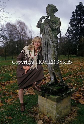 Elizabeth Spender Elizabeth Spender Lizzie playwright Mrs Barry Humphries HOMER SYKES