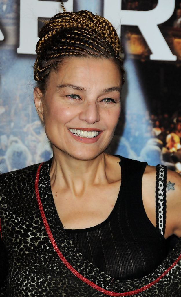 Elli Medeiros Elli Medeiros Photos quotLe Concertquot Paris Premiere Zimbio