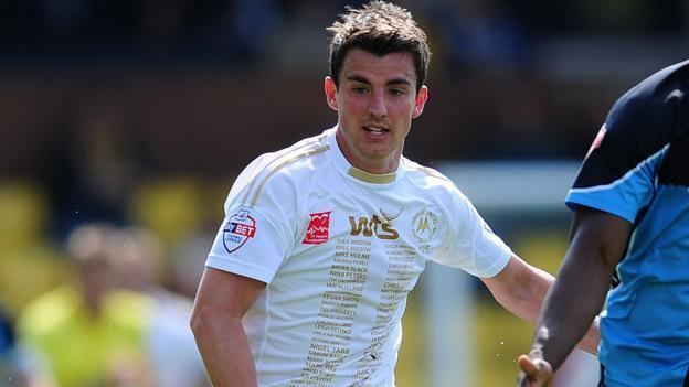 Elliot Benyon Elliot Benyon Torquay striker extends Hayes and Yeading loan BBC