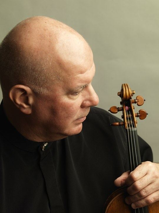 Elmar Oliveira Elmar Oliveira releases Schumann Violin Concerto LIVE in