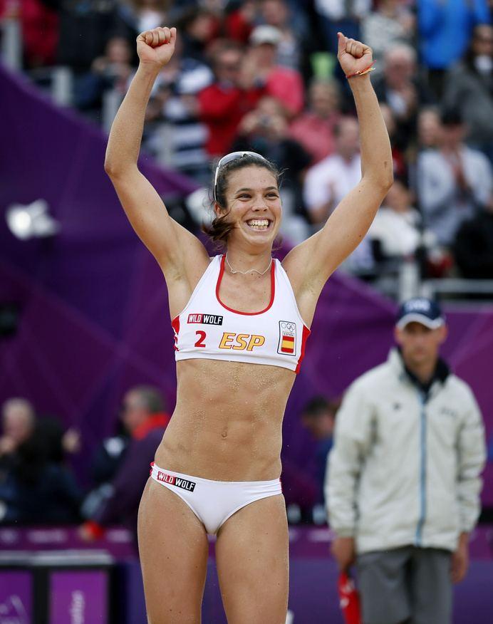 Elsa Baquerizo Spain39s Elsa Baquerizo McMillan celebrates after they won