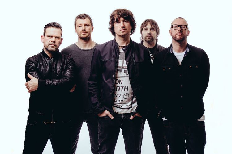 Embrace (English band) httpsprescriptiontorockfileswordpresscom201