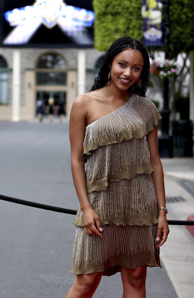 Emelia Burns Emelia Burns Pictures Photos amp Images Zimbio