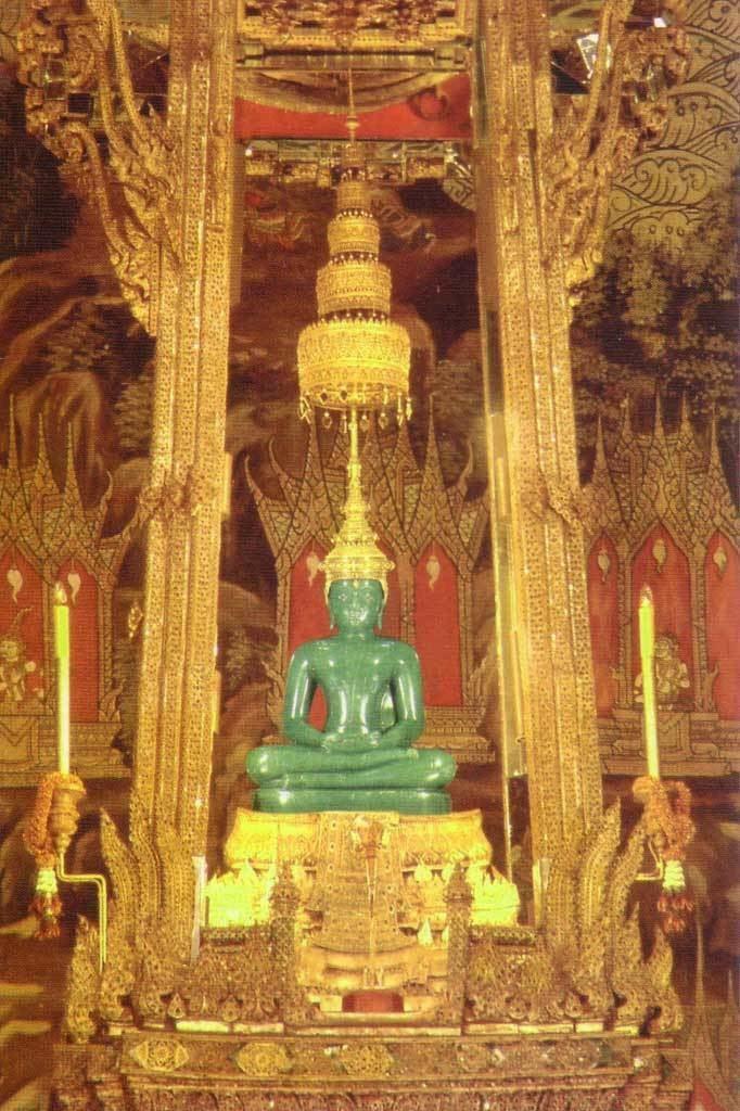 Emerald Buddha The Emerald Buddha Temple In Thailand Found The World